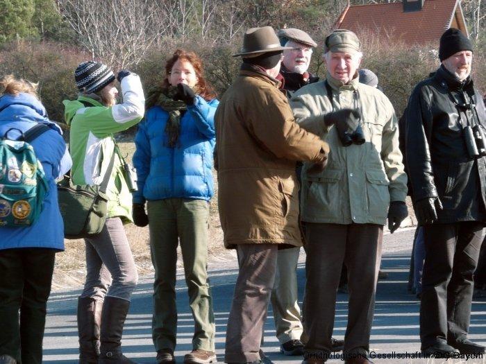 Exkursion in den Zippammer-Lebensraum, unmittelbar beim Tagungsort; hier die Referentinnen Susann Janowski und Dagmar Kobbeloer