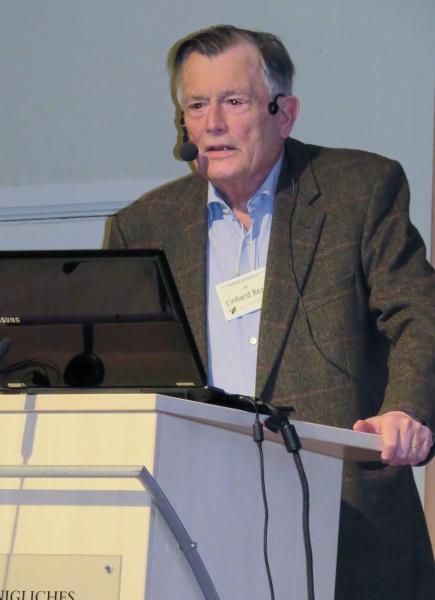 Dr. Einhard Bezzel
