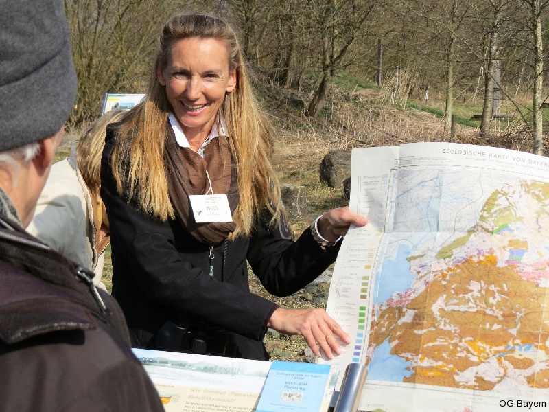 4. Bayerische Ornithologentage 2014 Exkursion zu Moorrenaturierung nahe Benediktbeuern, Erläuterungen durch Elisabeth Wölfl