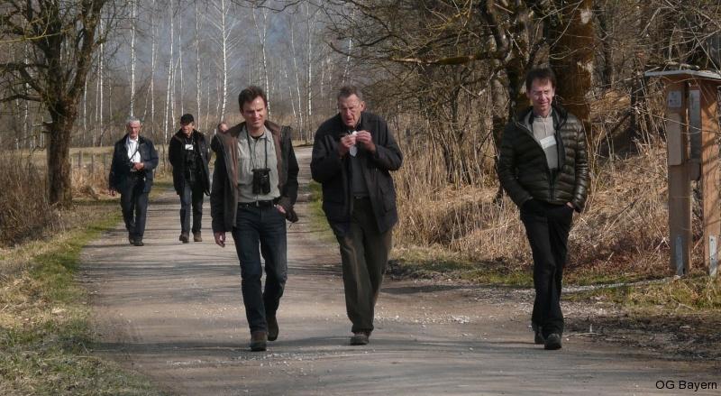 4. Bayerische Ornithologentage 2014 Teilnehmer Walter Mandl, Heribert Zintl und Dr. Michael Proske im Gespräch