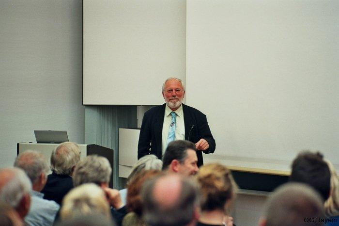 Manfred Siering im Vortragssaal der ZSM